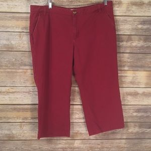 Old Navy low waisted size 16 red Capri pants